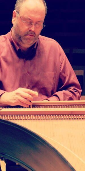 Tuning the harpsichord